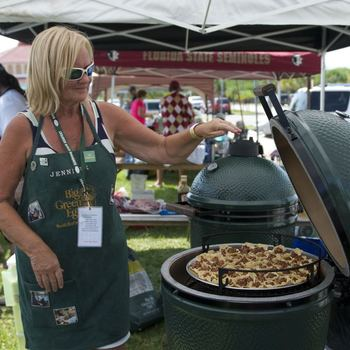 BIg Green Egg making some delicious food at Eggfest 2015